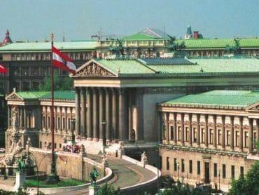 26. október – Deň múzeí a štátny sviatok Rakúskej republiky